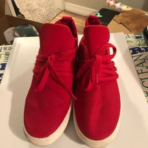 Steve Madden Lancer RED! Size 9.0 great condition
